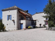 In a hamlet of Quercy Blanc, pretty renovated Quercy stone house