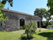 Charmante propriété de caractère avec sa tour du XVIème dans le Quercy