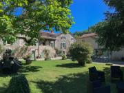 Maison de caractère et  gite en village proche Cahors