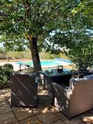 En Bouriane, maison de campagne de plain pied avec piscine et dépendance