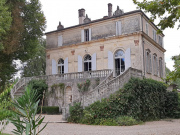 Mansion of the 19th century with its outbuildings in the Lot et Garonne