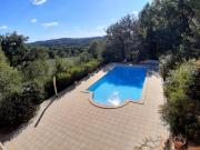 En Bouriane, maison de village et piscine avec belle vue