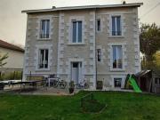 Belle maison de Maître avec possibilité chambres d'hôtes dans un village