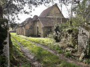 Authentic master house and outbuildings for sale, Lot
