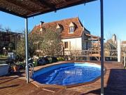 Maison de caractère en pierre avec maison d'amis, vue dégagée, piscine