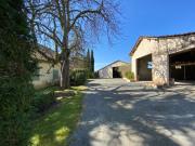Farmhouse and barns to renovate, lake, well, north Lot & Garonne