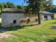 Old farmhouse with outbuildings in the Quercy Blanc