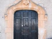 Belle demeure  XVIIème de style Médiéval, 49 Ha, rivières, en Aveyron.