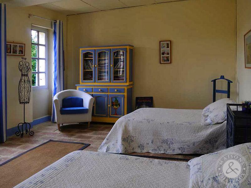 Chambres d 39 h tes complex for Chambre d hotes paca