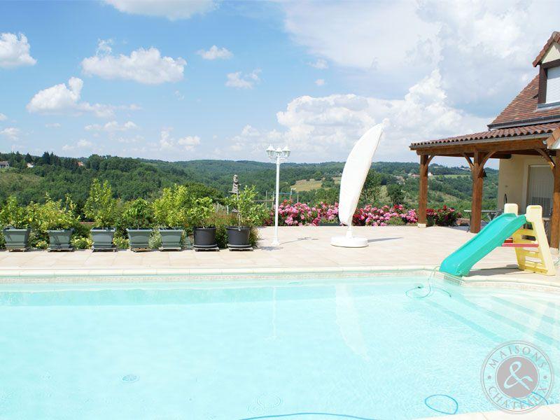 Maison d 39 architecte avec piscine couverte et terrain - Piscine terrain non constructible ...