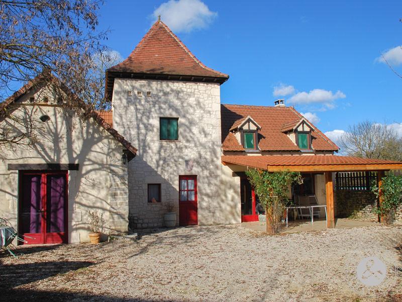 Entre Lot Et Aveyron Ensemble De 2 Maisons En Pierre A Vendre