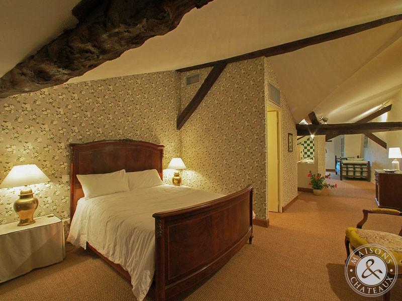 Dordogne périgord noir hotellerie de charme hotel bureau à vendre