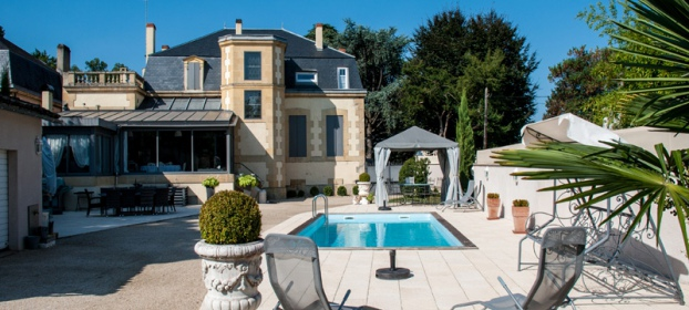 Bergerac downtown, luxurious Master house for sale
