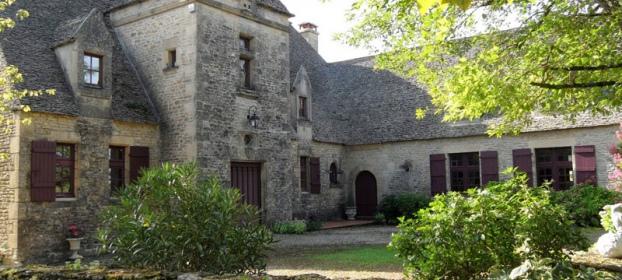 Manoir dans village historique
