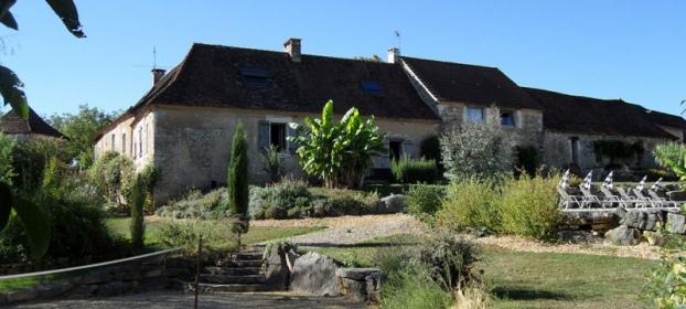 Proche Hautefort et vallée Auvezere, ferme du XVIIIème restaurée.