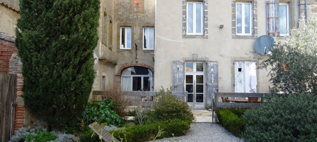 Maison XVIIIe, avec jardin suspendu et vue sur les Pyrénées