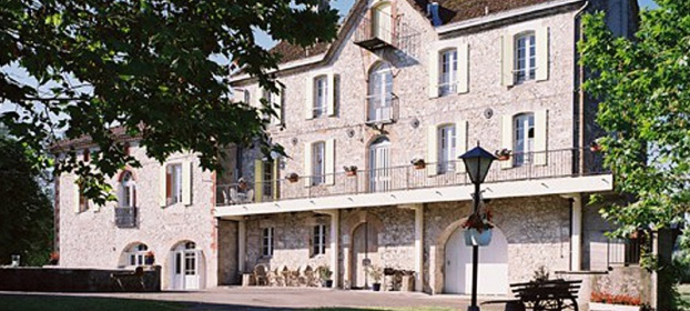 Old mill converted in holiday cottages with outbuildings inTarn et Garonne