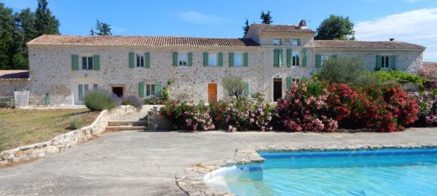 Large 17th century farmhouse with swimming pool