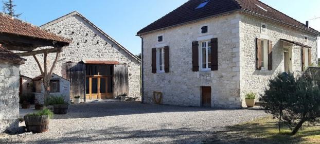 Charmante maison de campagne avec ses dépendances au coeur du Quercy Blanc