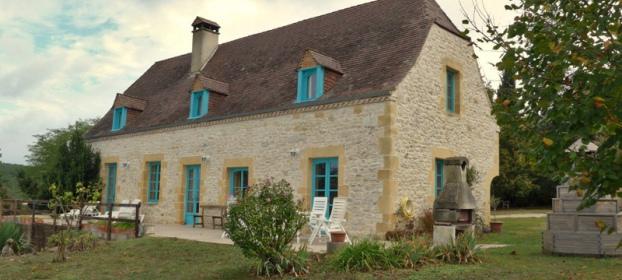 En campagne, maison récente style ancien