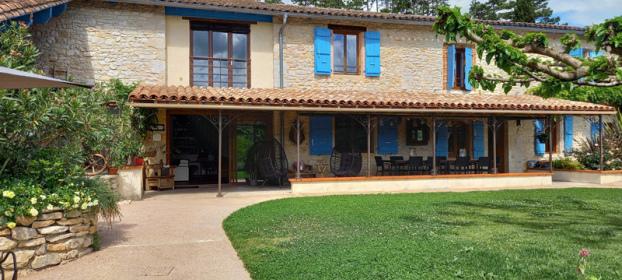 Grande maison familiale ou chambres d'hôtes région touristique