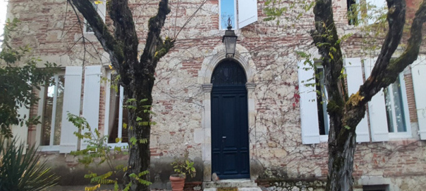 Beautiful mansion at the end of a village in the Tarn et Garonne