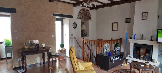 In the heart of Cahors, house with vaulted cellar, garage, 4 bedrooms