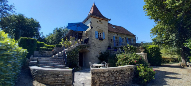 Lot en Bouriane, fully restored manor house with private stables.