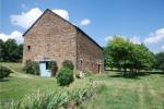 A seulement 35 mn de Rodez, ancienne ferme rénovée et lumineuse avec grange