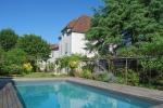 Centre ville, rare et belle propriété entièrement rénovée avec piscine