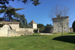 Domaine avec maison en pierre et dépendances sur 8 Hectares Lot et Garonne