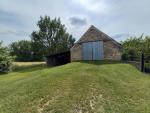 En Bouriane, maison de 1667 avec grange et bergerie à restaurer